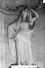 Domaine national : Château de Maisons-Laffitte - Salle à manger : Statue en plâtre sculpté