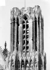 Cathédrale Notre-Dame - Tour sud : Partie supérieure