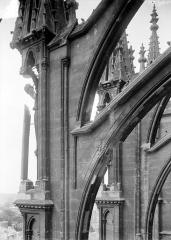 Cathédrale Notre-Dame - Façade sud : Arc-boutant