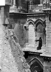 Cathédrale Notre-Dame - Transept sud : Arcature