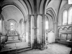 Eglise des Istres - Vue intérieure du choeur et de l'absidiole sud