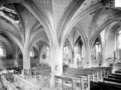 Eglise Saint-Rémi - Vue intérieure de la nef vers le nord-est