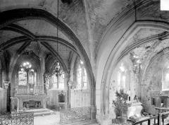 Eglise Saint-Pierre - Vue intérieure du choeur et du transept sud