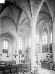 Eglise - Vue intérieure du transept sud