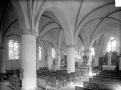 Eglise - Vue intérieure de la nef et du bas-côté sud, vers le nord-est