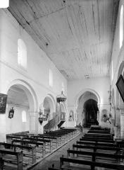 Eglise Saint-Pierre-de-Coulmiers - Vue intérieure de la nef vers le choeur