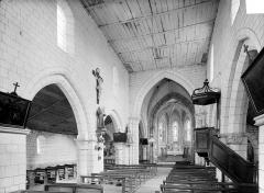 Eglise Saint-Maurice - Vue intérieure de la nef vers le choeur