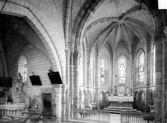 Eglise Saint-Maurice - Vue intérieure du transept nord et du choeur