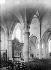 Eglise de la Nativité de la Vierge - Vue intérieure du transept nord vers le choeur