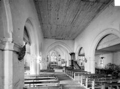 Eglise Saint-Ouen - Vue intérieure de la nef vers le choeur