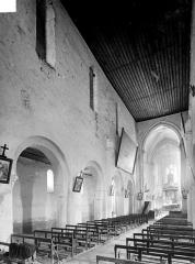 Eglise de la Nativité de la Vierge - Vue intérieure de la nef vers le nord-est