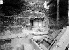 Ancienne abbaye Saint-Martin-des-Champs, actuellement Conservatoire National des Arts et Métiers et Musée National des Techniques - Eglise. Chevet : Bases de colonnettes