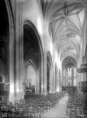 Eglise Notre-Dame - Vue intérieure de la nef, vers le nord-est