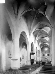 Eglise Sainte-Marie-Madeleine - Vue intérieure de la nef, vers le nord-est