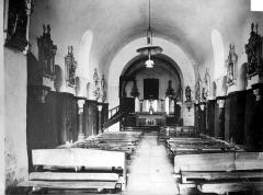 Eglise Saint-Maurice - Vue intérieure de la nef, vers le choeur