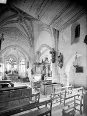 Eglise - Vue intérieure de la nef, vers le sud-est