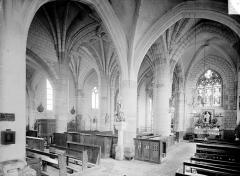 Eglise - Vue intérieure du bas-côté sud, de la nef et du choeur, vers le nord-est