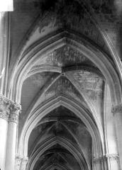 Cathédrale Notre-Dame - Voûte, après les bombardements du 11 juillet 1916