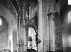 Eglise Saint-Martin - Vue intérieure de la croisée du transept