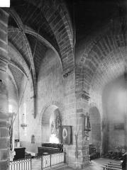 Eglise Saint-Martin - Vue intérieure de la croisée du transept, vers le sud-est