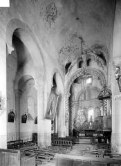 Eglise Saint-Symphorien - Vue intérieure de la nef, vers le nord-est
