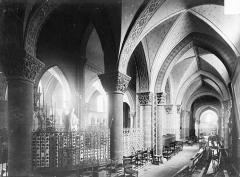 Eglise Saint-Georges - Vue intérieure du déambulatoire nord, vers le sud-ouest