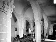 Eglise Sainte-Anne - Vue intérieure du bas-côté sud et de la nef, vers le nord-est
