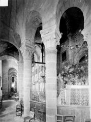 Eglise Notre-Dame - Vue intérieure du déambulatoire, coté sud-est