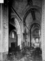 Eglise Saint-Denis - Vue intérieure de la nef et du bas-côté nord, vers le nord-est