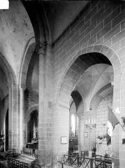Eglise Saint-Julien - Vue intérieure de la croisée et du chœur, vers le nord-est