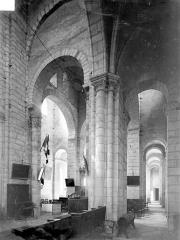 Eglise Saint-Léger - Vue intérieure de la croisée, vers le sud-est