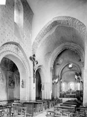 Eglise Saint-Cyr et Sainte-Julitte - Vue intérieure de la nef et du bas-côté nord, vers le nord-est