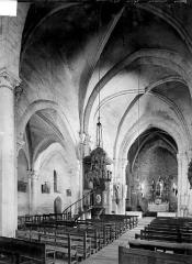 Eglise Saint-Prejet - Vue intérieure de la nef et du bas-côté nord, vers le nord-est