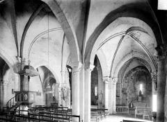 Eglise Saint-Prejet - Vue intérieure du bas-côté sud et de la nef, vers le nord-est