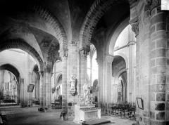 Prieuré bénédictin de Souvigny - Vue intérieure de la nef, vers le sud-est