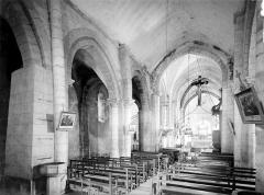 Eglise Saint-Maurice - Vue intérieure de la nef, vers le nord-est