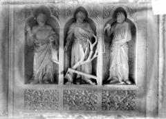 Cathédrale Notre-Dame - Revers du grand portail de la façade ouest, côté droit, deuxième registre