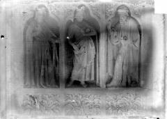 Cathédrale Notre-Dame - Revers du grand portail de la façade ouest, côté droit, troisième registre