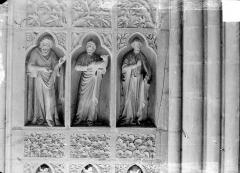 Cathédrale Notre-Dame - Revers du grand portail de la façade ouest, côté droit, quatrième registre