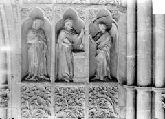 Cathédrale Notre-Dame - Revers du grand portail de la façade ouest, côté droit, cinquième registre
