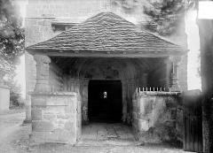 Eglise Saint-Martin - Porche de la façade ouest
