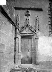 Eglise Saint-Julien - Portail gothique