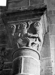 Eglise Saint-Gervais et Saint-Protais - Chapiteau historié