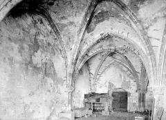 Prieuré bénédictin de Souvigny - Vue intérieure de la salle capitulaire