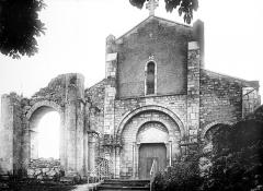 Eglise Saint-Cyr et Sainte-Julitte - Façade ouest