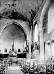 Eglise Notre-Dame - Vue intérieure de la nef, vers le chœur