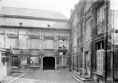 Hôtel Le Vergeur - Cour intérieure