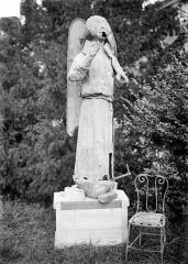 Cathédrale Notre-Dame - Clocher, statue d'ange