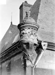 Hôtel Le Vergeur - Angle des façades : motif d'angle