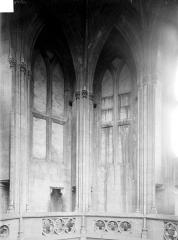 Ancienne église de Saint-Etienne-le-Vieux, actuellement magasin communal - Vue intérieure d'une tour lanterne : partie haute